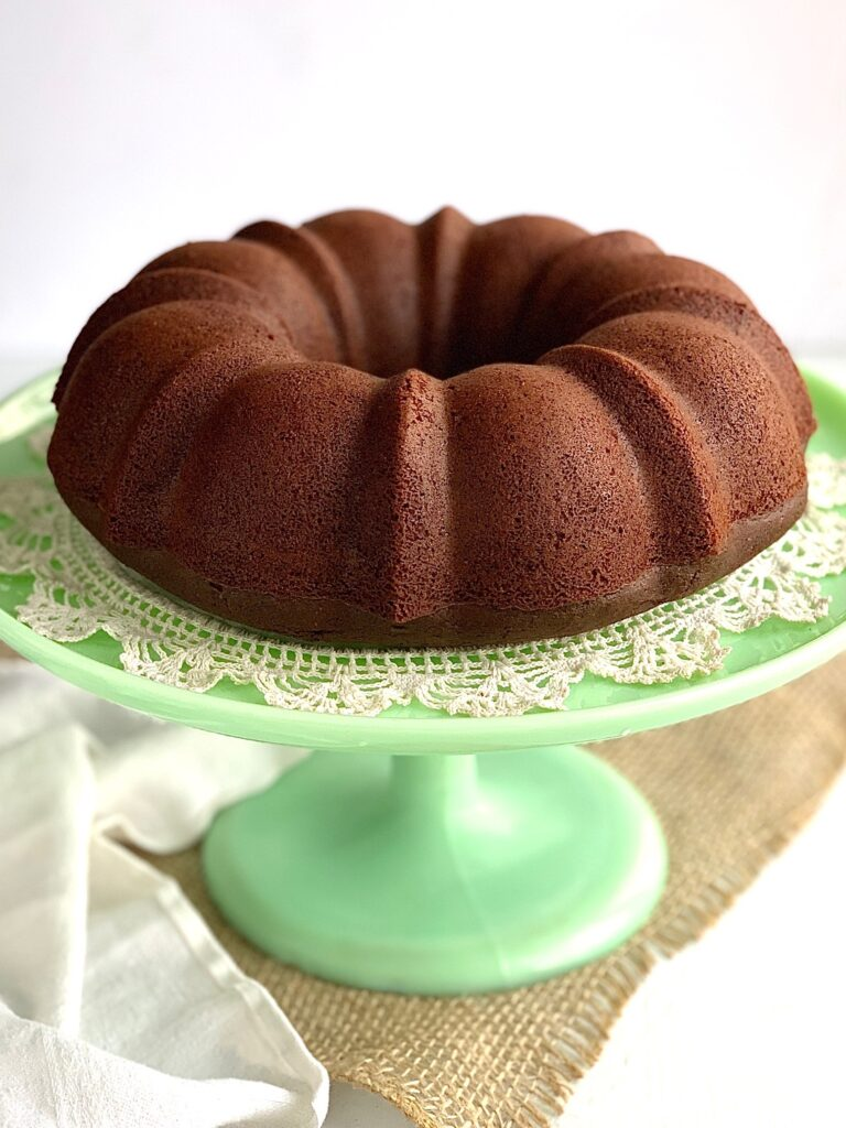 chocolate fudge bundt cake with no frosting