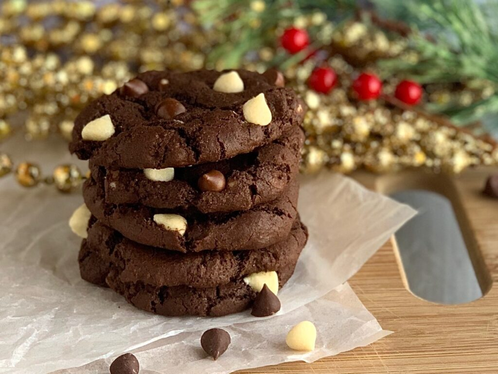 5 chocolate cookies with chocolate and white chocolate chip morsels.